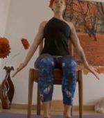 Yoga en silla para adultos y mayores