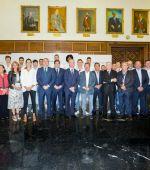 El Ayuntamiento desea suerte al Casademont Zaragoza en la temporada de su regreso a Europa