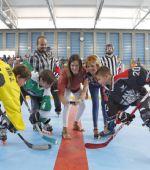 El CDM San Juan de Mozarrifar estrena la primera pista de hockey en línea de Zaragoza