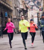 Cómo elegir la ropa deportiva perfecta para entrenar con frío, lluvia y viento