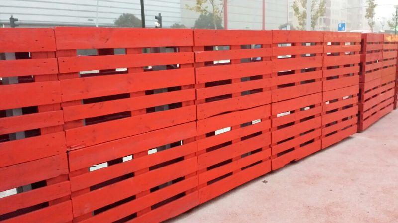 Sustitución de tablas de palet deteriorado.   [Fecha: 11/12/2013]