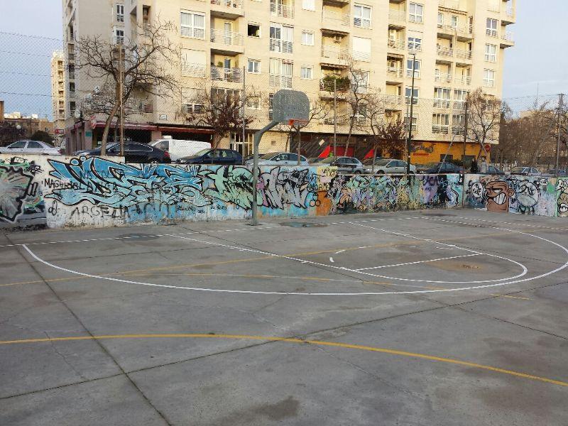 Marcado de líneas de juego de Pista de Baloncesto. [Fecha: 20/01/2014]