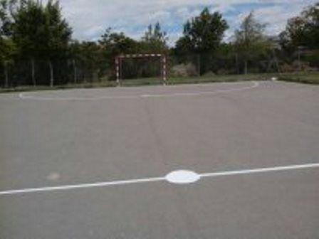 Pintado del lineado de la Pista de Fútbol Sala. [Fecha: 29/04/2014]