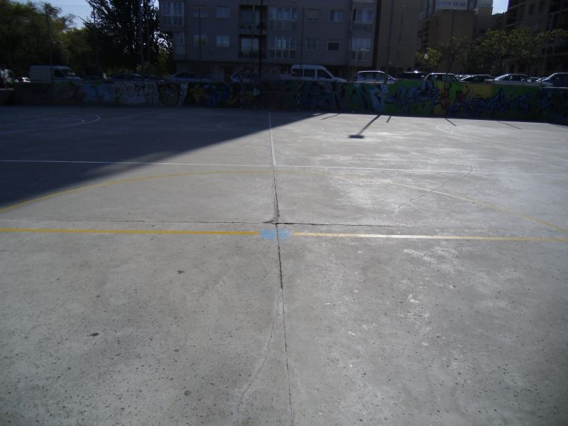 Estado de pavimento.Baloncesto IDE Tierno Galván [IDE Paseo Tierno Galván]  [Fecha: 07/11/2011]