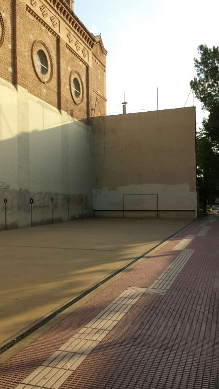 Fronton [Fecha: 25/01/2012]