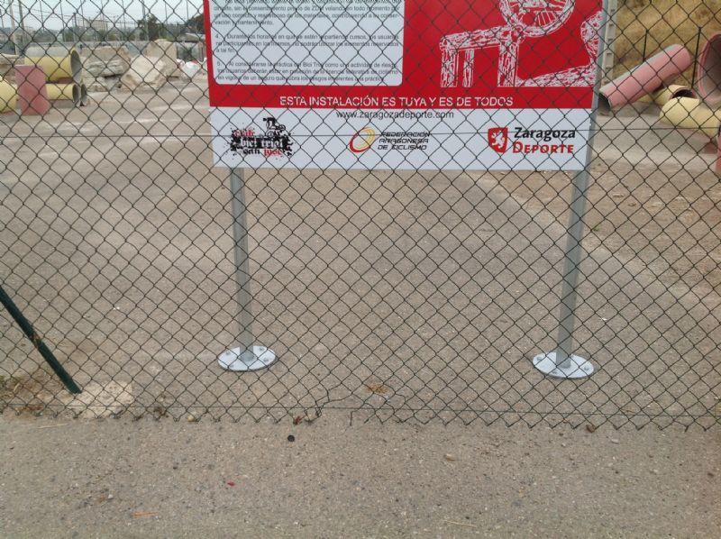 Anclaje postes y soporte [Fecha: 07/09/2016]