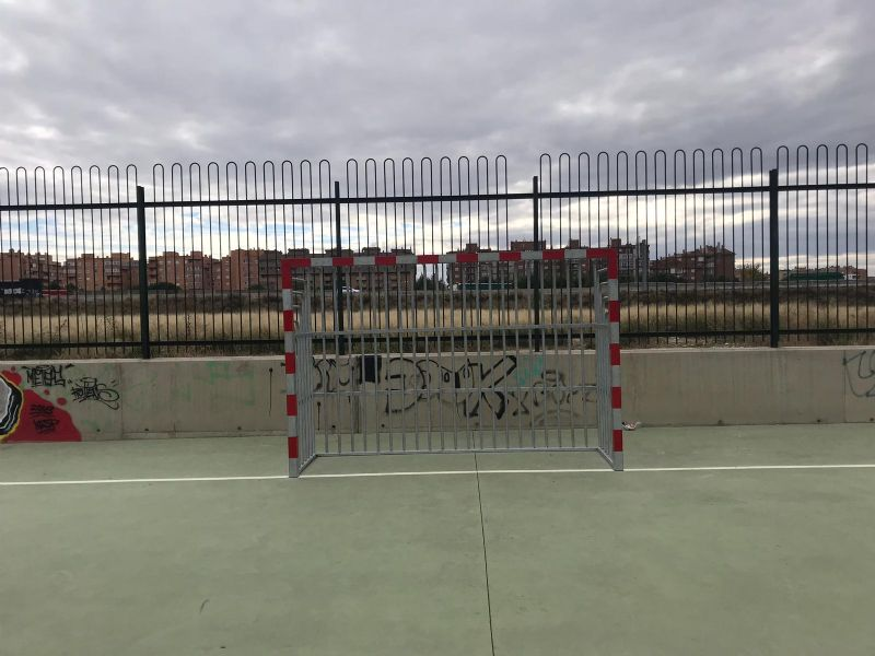 Nuevas porterías anti vandálicas [Fecha: 08/11/2018]
