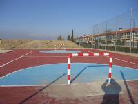Instalación de dos mini porterías de Fútbol Sala.  [Fecha: 24/02/2014]