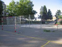 Instalación de nuevo vallado metálico en Pista de Fútbol Sala [Fecha: 21/07/2014]
