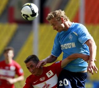 Jarosik ya entrena con el equipo