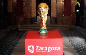 Fotografías tomadas durante la exhibición de la Copa del Mundo de Fútbol