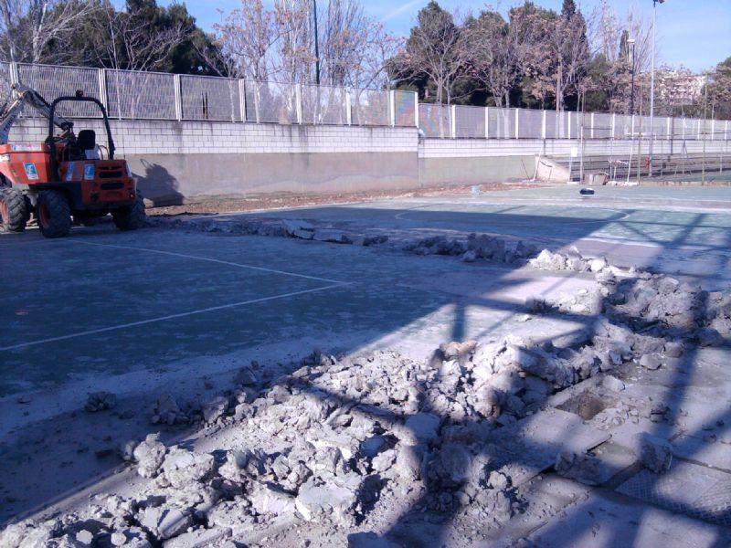 La primera fase de las obras en las instalaciones de pádel ya ha comenzado