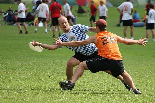 Te presentamos el «Ultimate Frisbee», un divertido deporte poco conocido en España