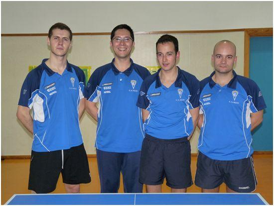 El equipo masculino de Tenis de Mesa del Centro Natación Helios afronta con ilusión el mayor reto de su historia