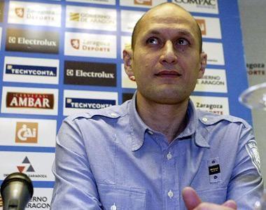 Alberto Angulo fue presentado ayer como nuevo entrenador del CAI Zaragoza