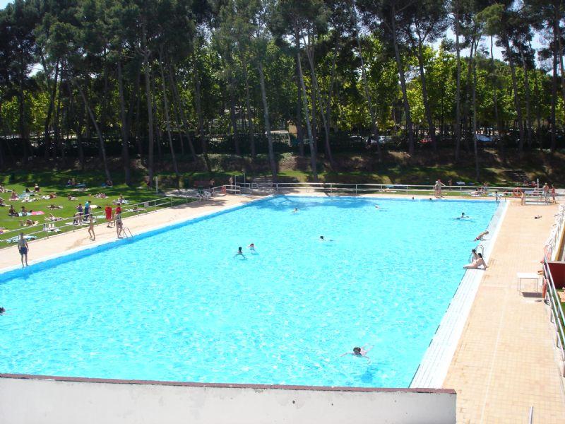 Las piscinas municipales participan en la campaña de recogida de productos de primera necesidad del Banco de Alimentos de Aragón