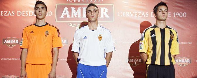 El Real Zaragoza y Adidas presentaron las equipaciones del conjunto maño para la temporada 2011/12