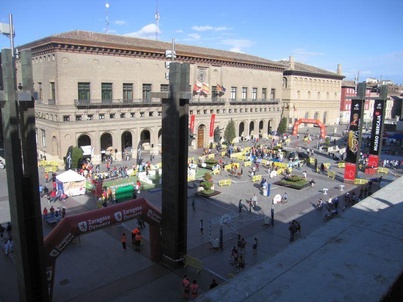 La Plaza del Pilar se llena de deportistas durante el «Día del Deporte en la Calle»