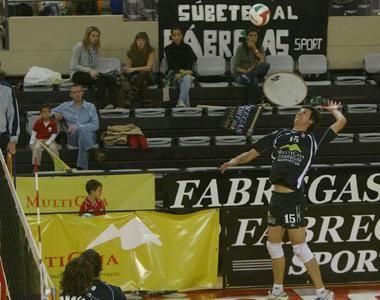 Regresa el gran derbi del voleibol aragonés