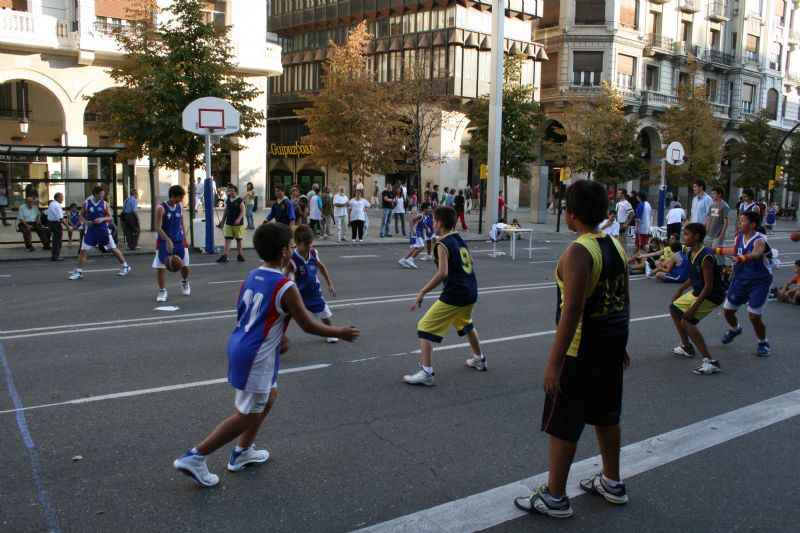 Presentado el Decálogo contra el sedentarismo y la obesidad infantil en el que se recomienda la actividad física