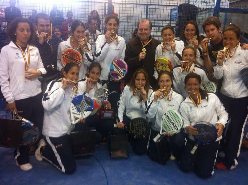 El equipo de pádel femenino del Real Zaragoza Club de Tenis se proclama Campeón de España