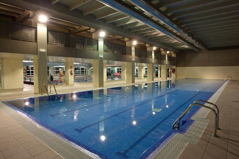 Nueva piscina cubierta de 10 calles en Stadium Venecia