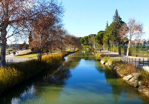 El Ayuntamiento edita una guía divulgativa sobre el Canal Imperial de Aragón