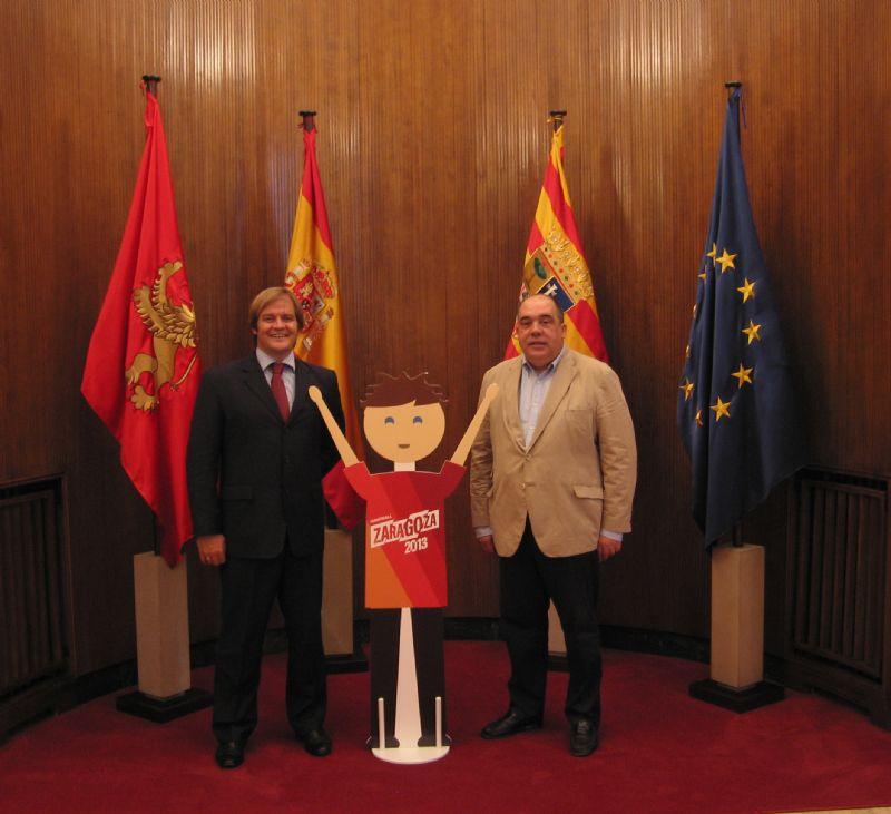 HANDBALL 2013 hizo entrega del «Handballin» a Zaragoza como sede del Mundial de Balonmano 2013