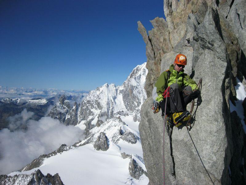 La CAI renueva su apoyo a la Federación Aragonesa de Montañismo