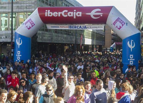 Cerca de 11.000 corredores participaron en la Carrera Popular Ibercaja «Por la Integración»