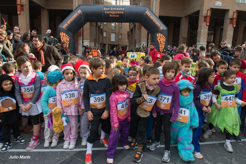 Fotografías y vídeos de la I Carrera San Silvestre zaragozana para niños