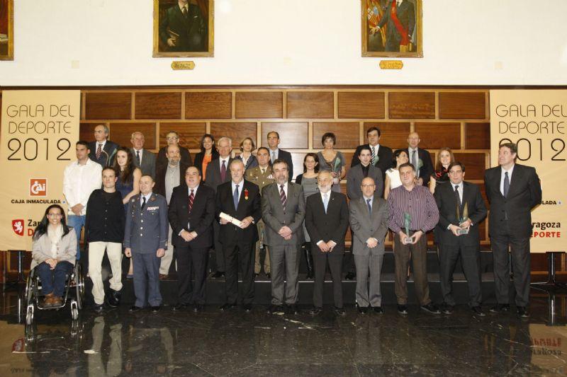 Vicente del Bosque recibe la medalla al mérito deportivo «Ciudad de Zaragoza»