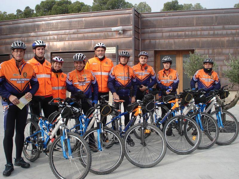 Voluntarios para concienciar del buen uso de la bicicleta