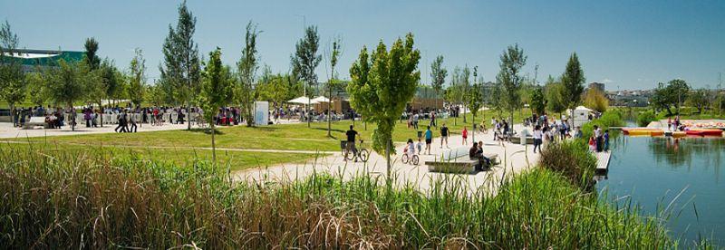 Actividades lúdicas y deportivas en el Parque del Agua