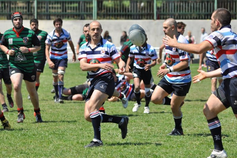 El Bull McCabe's Fénix Rugby consigue un excelente resultado para afontar el partido de vuelta en Oviedo