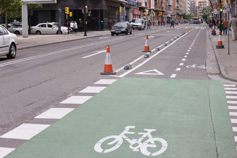 Concluyen los trabajos de la ampliación del carril bici en la calle Miguel Servet, en el tramo que va desde la calle Minas hasta el Tercer Cinturón