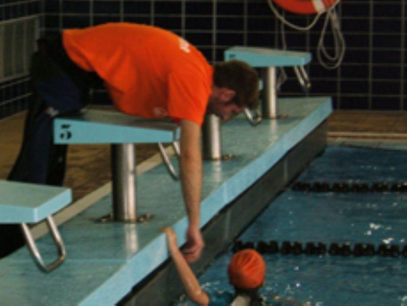 Inscripción o renovación de los cursillos de natación de CAI Deporte Adaptado