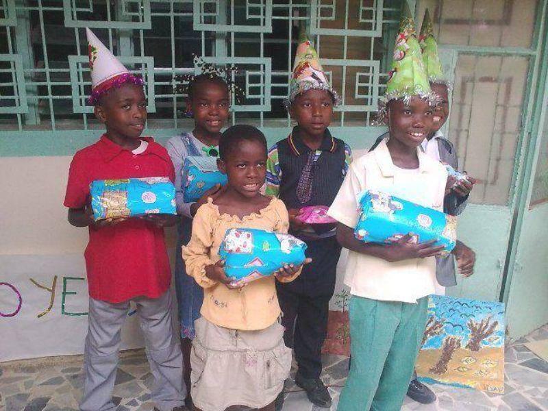 Recogida de material deportivo, escolar y juguetes para niños de Camerún. El deporte comprometido con una buena causa.