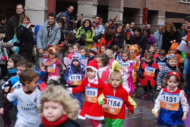 Fotos y vídeos de la II San Silvestre Zaragozana Martin Martin para niños
