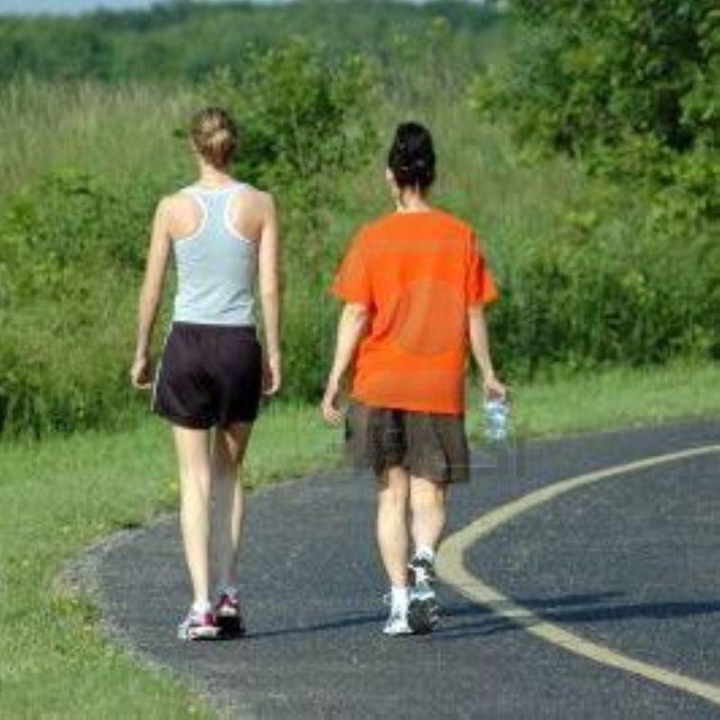 Andar 20 minutos al día a paso moderado reduce un 8% la enfermedad cardiovascular