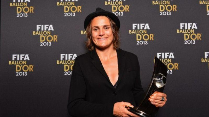 Silvia Neid y Nadine Angerer, mejor entrenadora y mejor jugadora del año en la Gala del Balón de Oro de la FIFA
