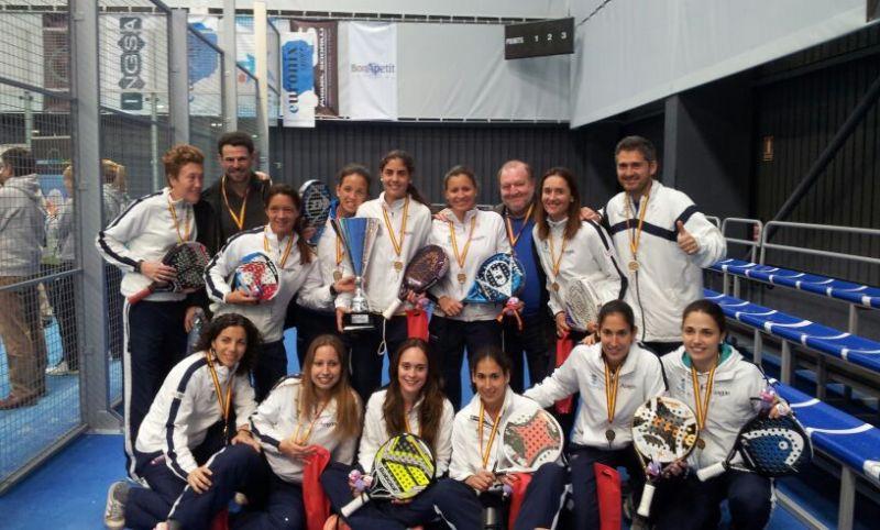 El equipo femenino de RZCT, campeón de España de Pádel