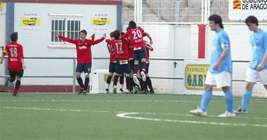 El Montecarlo depende de sí mismo para jugar la Copa y el Real Zaragoza apenas tiene opciones.
