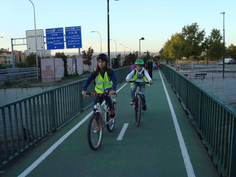 El CP Agustina de Aragón pone en marcha la primera ruta en bici del Camino Escolar