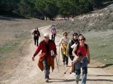 El senderismo gana adeptos en Aragón y ya son más de 12.000 los andarines que participan en las pruebas populares.
