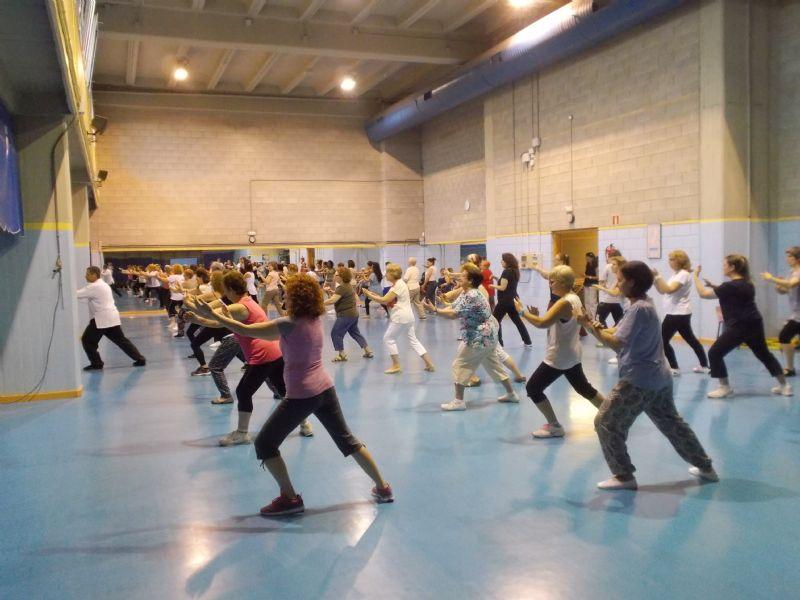 Más de 100 zaragozanos disfrutan de sesiones gratuitas de Tai Chi