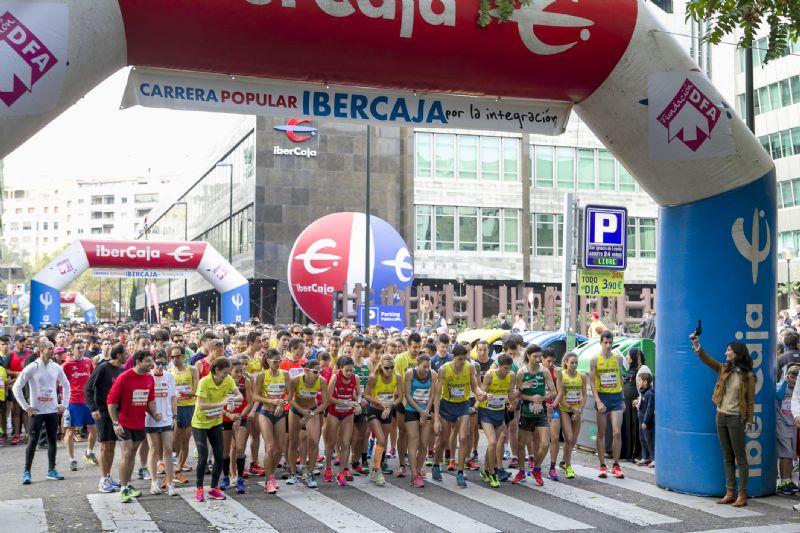 10.122 corredores en la Carrera Ibercaja 2015