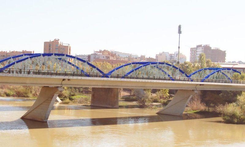 Comienza la construcción del nuevo carril bici de la Avenida Puente del Pilar y continúan los trabajos en el de Tenor Fleta