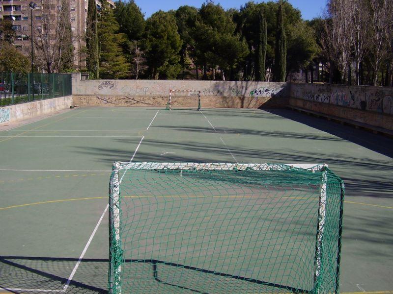 El Ayuntamiento destina cerca de 22.000 euros a renovar las canchas de Zaragoza