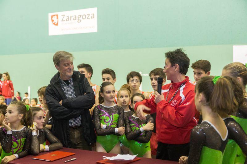 El Ayuntamiento de Zaragoza fomenta la gimnasia artística con la cesión del frontón del CDM José Garcés